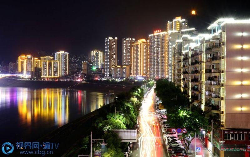 璀璨的县城夜景(摄影:赵勇)