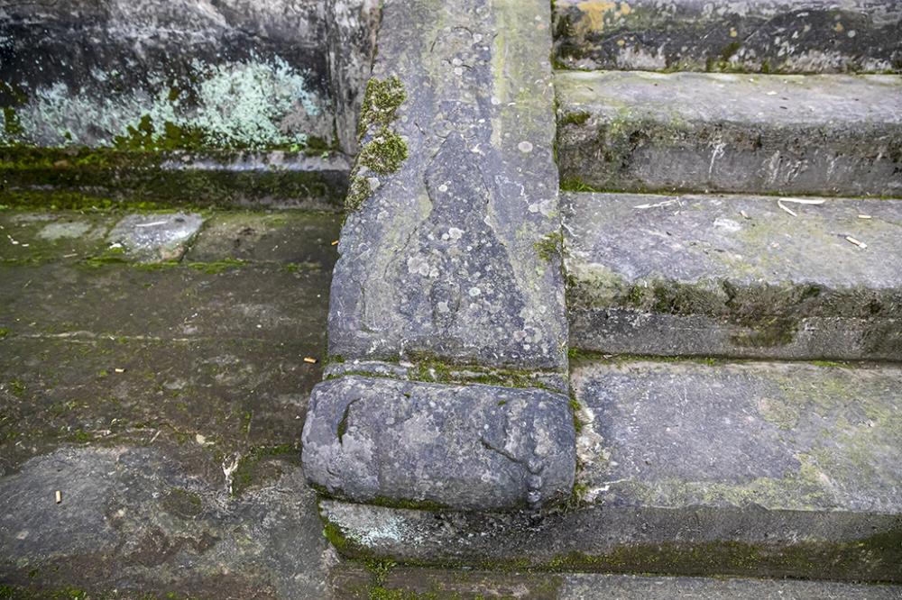 05雕刻有图案的梯带_N3I0142.JPG