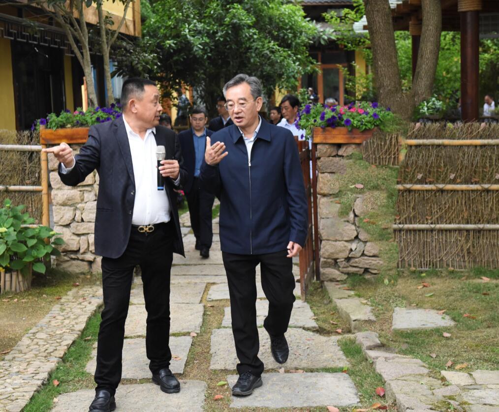 蹇泽西率队赴武汉黄陂区考察学习乡村振兴工作