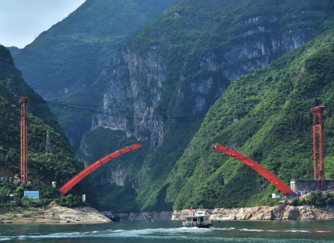 紧锣密鼓!巫山双龙大桥将于9月达到通车条件