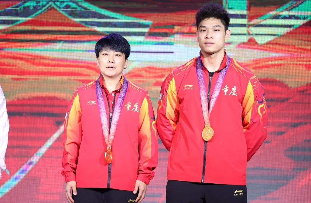 零的突破!黔江运动员李大银为我市夺得首枚全运会举重金牌