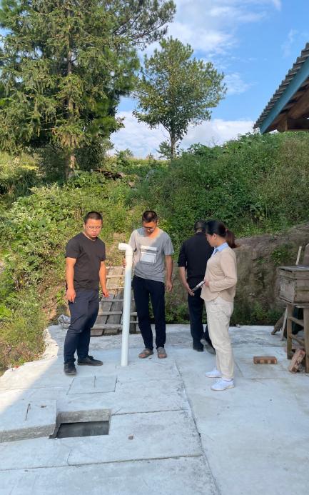 六塘乡开展农村户厕建设验收工作