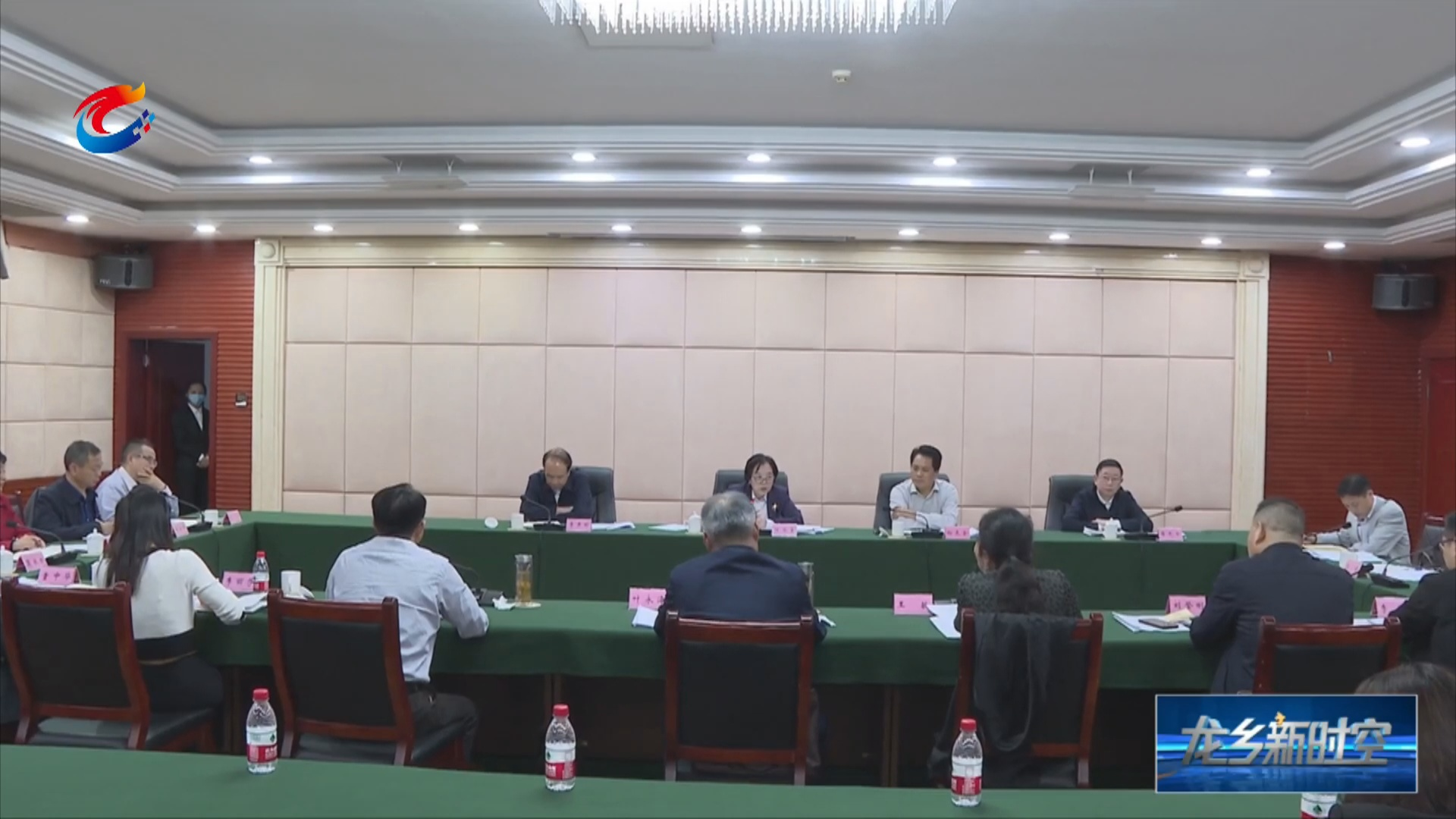 重庆市人大常委会副主任陈元春来铜督导区镇人大换届选举工作